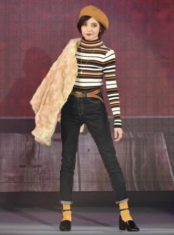 http://joshiplus.jp/fashion/newsphoto/2079669/1/