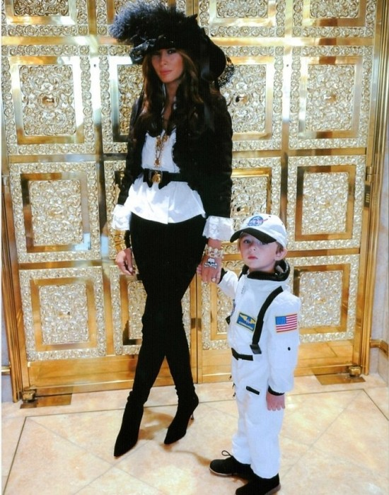 melania-knauss-trump-and-son-barron-550x700-1